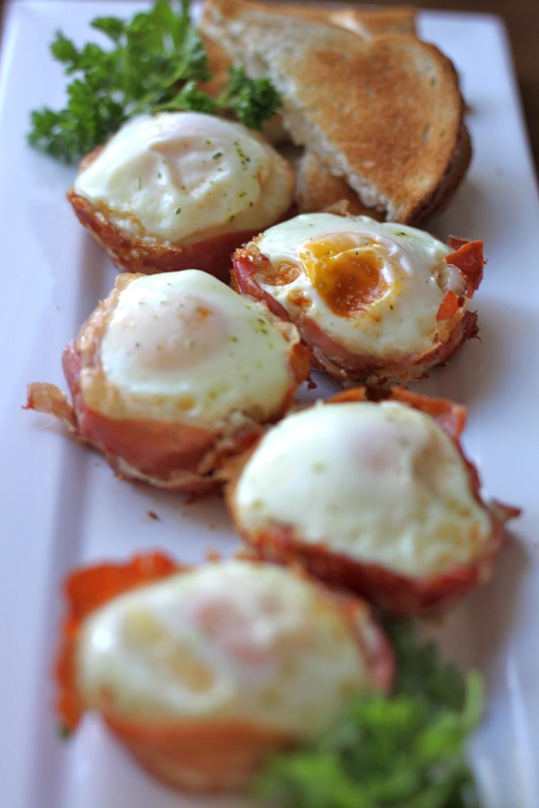 Kinkkua, kananmunaa ja tryffeliä