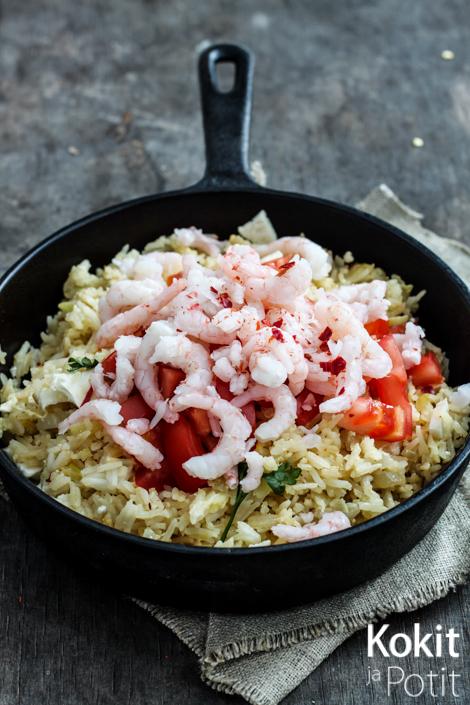 Paistettu riisi thaithyyliin