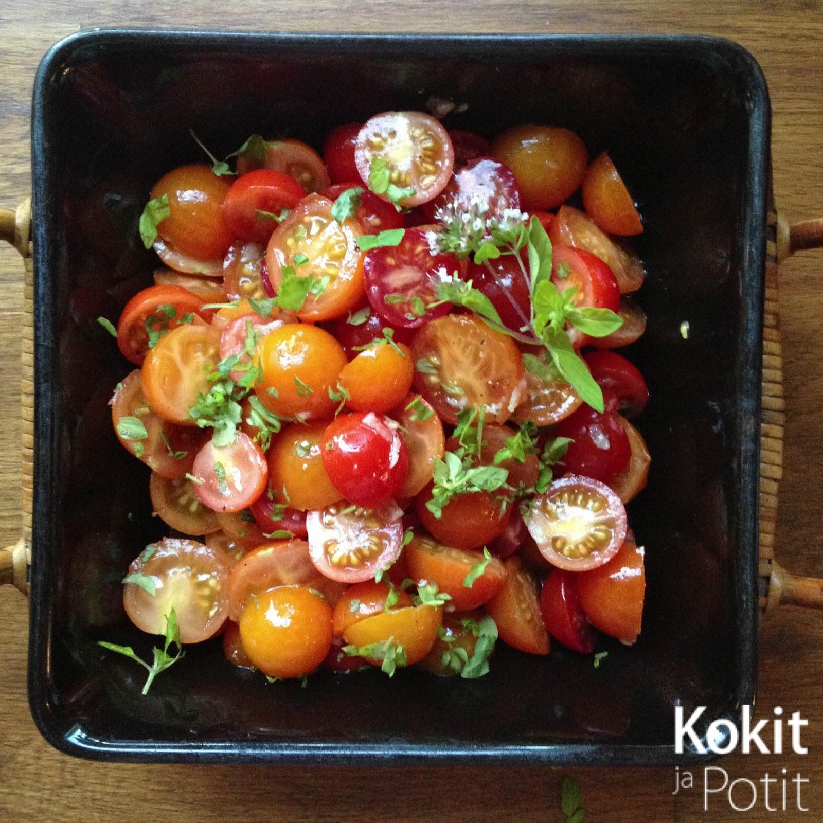 Ylistys yksinkertaisuudelle: tomaattisalaatti