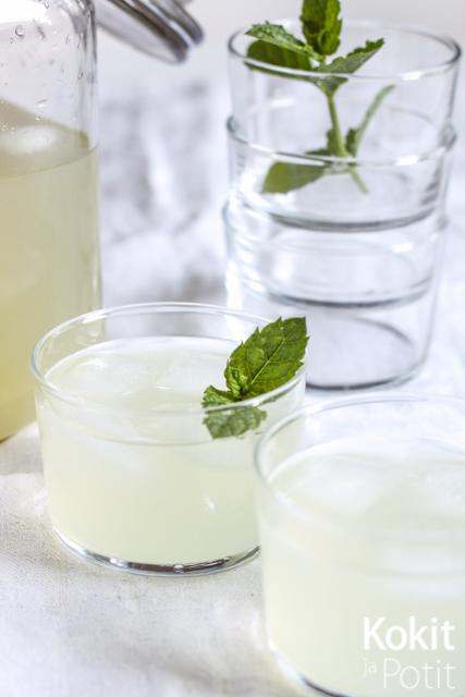 Lemonade tuorepuristetusta sitruunamehusta