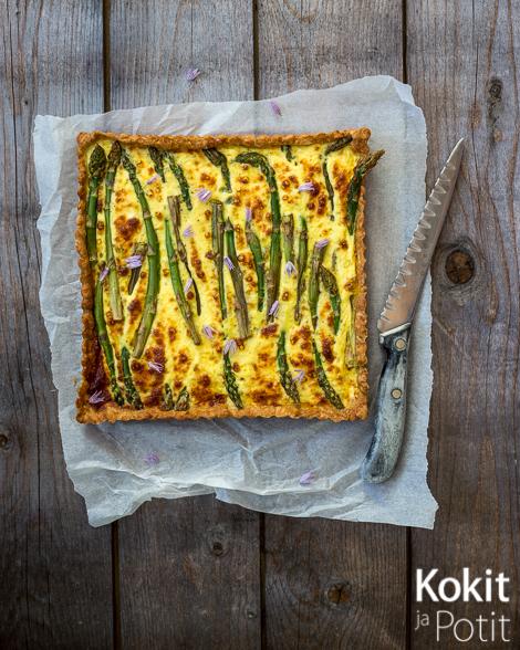 Parsa-peconinopiiras – Asparagus Pecorino Pie | Kokit ja Potit -ruokablogi #parsa #asparagus #pecorino #piiras #pie
