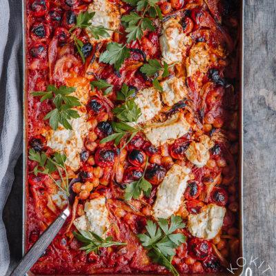 Tomaatti-fenkolivuoka fetajuustolla