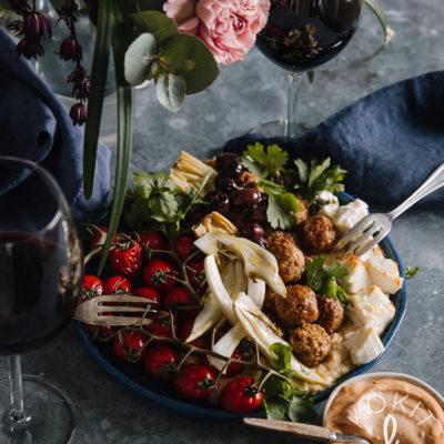 Meze-lautanen hummuksella & vegepullilla
