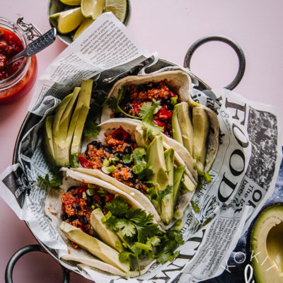 Vegetacot & yhden astian kvinoa-mustapaputäyte